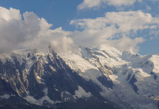 Φυσικό τοπίο βουνών στοκ εικόνα με δικαίωμα ελεύθερης χρήσης