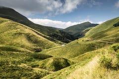 Φυσικό τοπίο στα βουνά Iraty στο καλοκαίρι, βασκική χώρα, Γαλλία στοκ εικόνες