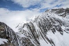 φυσικό φως του ήλιου σειράς βουνών σύνθεσης στοκ φωτογραφία με δικαίωμα ελεύθερης χρήσης