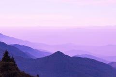 φυσικό φως του ήλιου σειράς βουνών σύνθεσης Στοκ φωτογραφίες με δικαίωμα ελεύθερης χρήσης
