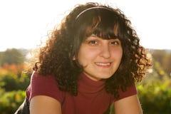 φυσικό χαμόγελο κοριτσ&iot Στοκ φωτογραφίες με δικαίωμα ελεύθερης χρήσης