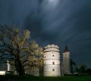 Φυσικό nightscape του κάστρου αναγέννησης σε Krasiczyn, voivodeship Podkarpackie, Πολωνία στοκ φωτογραφία