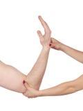 Φυσιοθεραπεία για τον πόνο, τους πόνους και την ένταση αγκώνων Στοκ Εικόνες