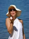 φυσώντας γυναίκα φιλιών ε Στοκ εικόνες με δικαίωμα ελεύθερης χρήσης