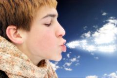 φυσώντας μαγικός έφηβος α Στοκ φωτογραφίες με δικαίωμα ελεύθερης χρήσης
