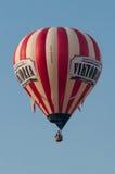 Φυσώντας μπαλόνι ζεστού αέρα Στοκ Φωτογραφία
