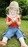 φυσώντας φυσαλίδες Στοκ εικόνες με δικαίωμα ελεύθερης χρήσης