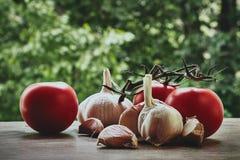 φυτικά λαχανικά ντοματών σύνθεσης απομονωμένα αγγούρια Στοκ εικόνες με δικαίωμα ελεύθερης χρήσης