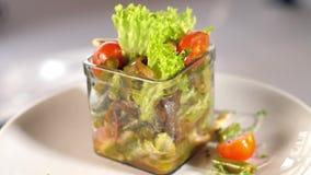 Φυτική σαλάτα με τις ντομάτες φιλμ μικρού μήκους