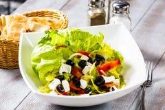 Φυτική σαλάτα, η οποία καλείται ελληνική σαλάτα Στοκ Εικόνα