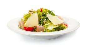 Φυτική σαλάτα με το ζαμπόν, το τυρί παρμεζάνας και τις ντομάτες κερασιών Στοκ Φωτογραφία