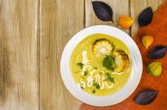 Φυτική σούπα διατροφής με τα κολοκύθια και το καλαμπόκι στοκ φωτογραφία με δικαίωμα ελεύθερης χρήσης