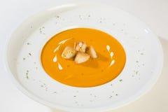 Φυτική σούπα με την κρέμα και τη φρυγανιά Στοκ Φωτογραφίες