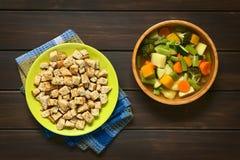 Φυτική σούπα με croutons Στοκ φωτογραφία με δικαίωμα ελεύθερης χρήσης