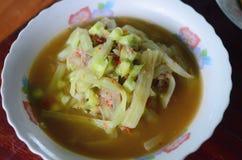 Φυτική σούπα στο κύπελλο στοκ εικόνες