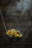 Φυτικό μίγμα σε μια κουτάλα Στοκ φωτογραφία με δικαίωμα ελεύθερης χρήσης