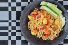 Φυτικό φεστιβάλ ως πικάντικη papaya σαλάτα με τη μικτά φυτικά κλήση & x22 SOM Tum J& x22  Κλείστε επάνω την όψη Στοκ Φωτογραφίες
