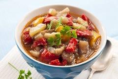 Φυτικό stew σε ένα κύπελλο Στοκ Φωτογραφίες