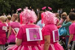 Φυλή για υποστηριγμένο το ζωή τρέξιμο διασκέδασης Στοκ Φωτογραφίες