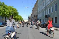 Φυλή κύκλων στην οδό του ST Πετρούπολη Στοκ Εικόνα