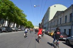 Φυλή κύκλων στην οδό του ST Πετρούπολη Στοκ Εικόνες