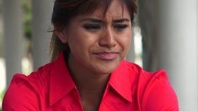Φωνάζοντας νέα περουβιανή γυναίκα απόθεμα βίντεο