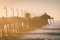 Φως ηλιοβασιλέματος στην αποβάθρα αλιείας στην αυτοκρατορική παραλία, Καλιφόρνια Στοκ φωτογραφία με δικαίωμα ελεύθερης χρήσης