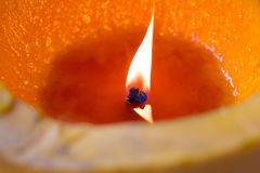 φως κεριών Κεριά Χριστουγέννων που καίνε τη νύχτα χρυσό φως Στοκ Εικόνες