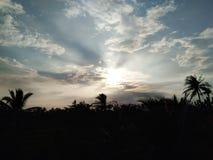 Φως μέσω του ουρανού σκιαγραφία Ταϊλάνδη Στοκ φωτογραφία με δικαίωμα ελεύθερης χρήσης