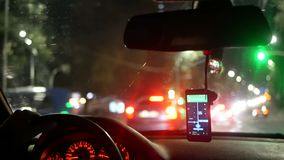 Φως νύχτας πόλεων ταξί αυτοκινήτων φιλμ μικρού μήκους