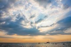 Φως ουρανού στη θάλασσα Στοκ φωτογραφίες με δικαίωμα ελεύθερης χρήσης