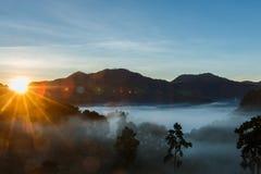 Φως πρωινού, τοπίο, φύση, άποψη πρωινού του ANG Khang, Chiangmai Doi Στοκ εικόνα με δικαίωμα ελεύθερης χρήσης