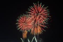 Φως πυροτεχνημάτων επάνω ο ουρανός Στοκ Εικόνα