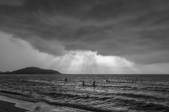 Φως στον ουρανό θύελλας Στοκ φωτογραφίες με δικαίωμα ελεύθερης χρήσης