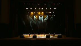 Φως συναυλίας στην κενή αίθουσα συναυλιών Σκηνικά φω'τα απόθεμα βίντεο