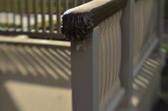 Φως του ήλιου κιγκλιδωμάτων μερών και σχέδιο σκιών Στοκ φωτογραφία με δικαίωμα ελεύθερης χρήσης
