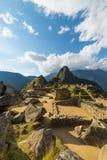 Φως του ήλιου σε Machu Picchu, Περού, με το φυσικό ουρανό Στοκ Φωτογραφία