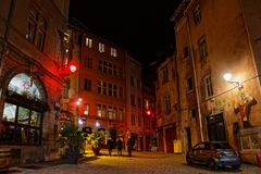 Φωτίστε Place de Λα Trinite σε Vieux Λυών στοκ εικόνα