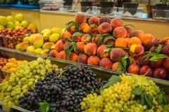 Φωτεινά ζωηρόχρωμα φρούτα και λαχανικά φθινοπώρου Στοκ εικόνα με δικαίωμα ελεύθερης χρήσης