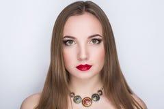 Φωτεινά κόκκινα χείλια Στοκ εικόνα με δικαίωμα ελεύθερης χρήσης