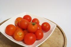 φωτεινές κόκκινες ντομάτ&epsil Στοκ Εικόνα