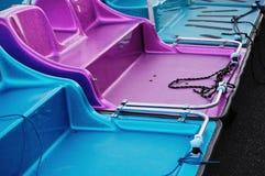 Φωτεινές λαμπρές βάρκες πενταλιών Στοκ εικόνα με δικαίωμα ελεύθερης χρήσης