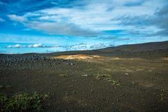 Φωτεινή άμμος στη σκοτεινή γη Στοκ Εικόνες