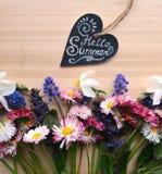 φωτεινή άνοιξη λουλουδ&i Στοκ εικόνες με δικαίωμα ελεύθερης χρήσης