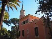 Φωτεινή ηλιόλουστη ημέρα της Βαρκελώνης ell ¼ πάρκων GÃ στοκ εικόνες