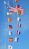 Φωτεινή θερινή ημέρα σημαιών Στοκ Εικόνες