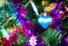 Φωτεινή σύνθεση Χριστουγέννων με την μπλε καρδιά Στοκ φωτογραφία με δικαίωμα ελεύθερης χρήσης