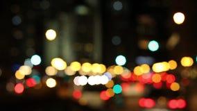 Φωτεινοί σηματοδότες νύχτας Defocused στο Σικάγο απόθεμα βίντεο
