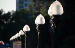 Φωτεινοί σηματοδότες στο brdige που οδηγεί στο πάρκο BALBOA Στοκ Φωτογραφίες