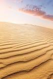 Φωτεινός αμμόλοφος θερινής άμμου Στοκ φωτογραφία με δικαίωμα ελεύθερης χρήσης